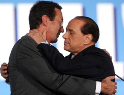 Silvio e Gianfranco, in un tenero tete a te, prima della burrascosa rottura sentimentale